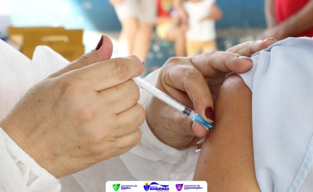 Secretaria de Saúde inicia vacinação de pessos com 58 anos sem comorbidades