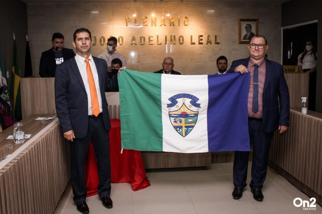 Prefeito Marcos Freitas toma posse e promete mais desenvolvimento em sua gestão